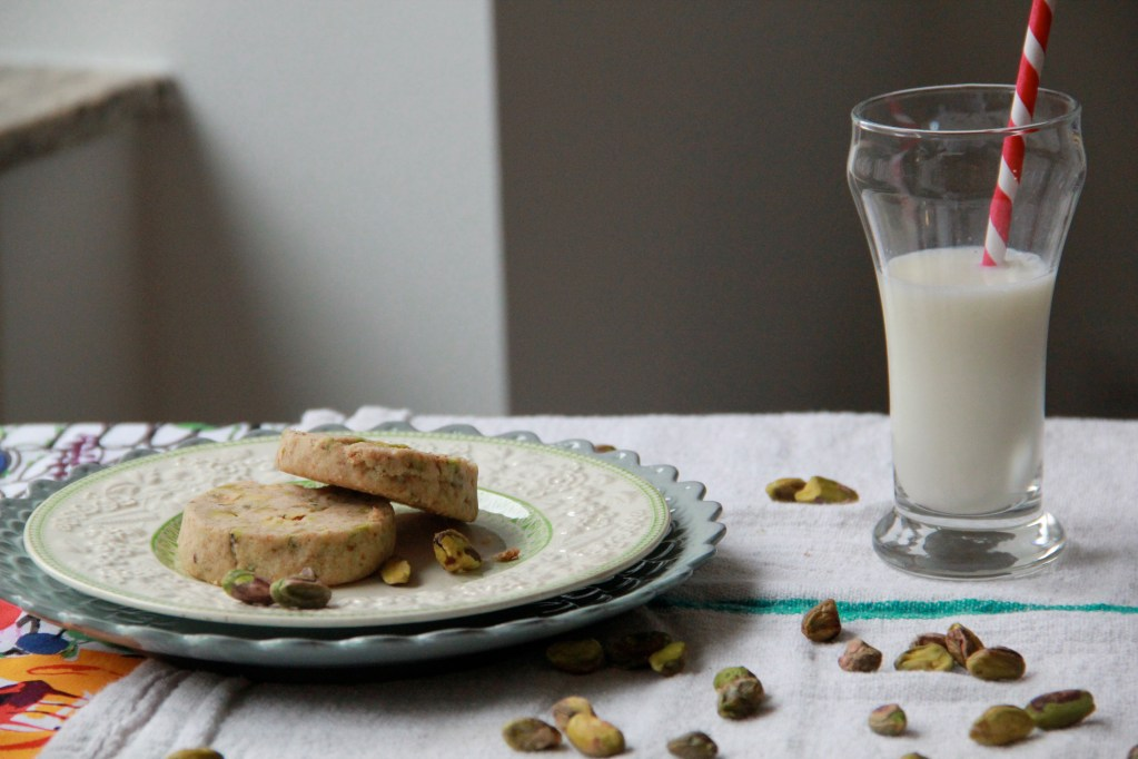 Pistachio Shortbread Cookies » Dunk & Crumble