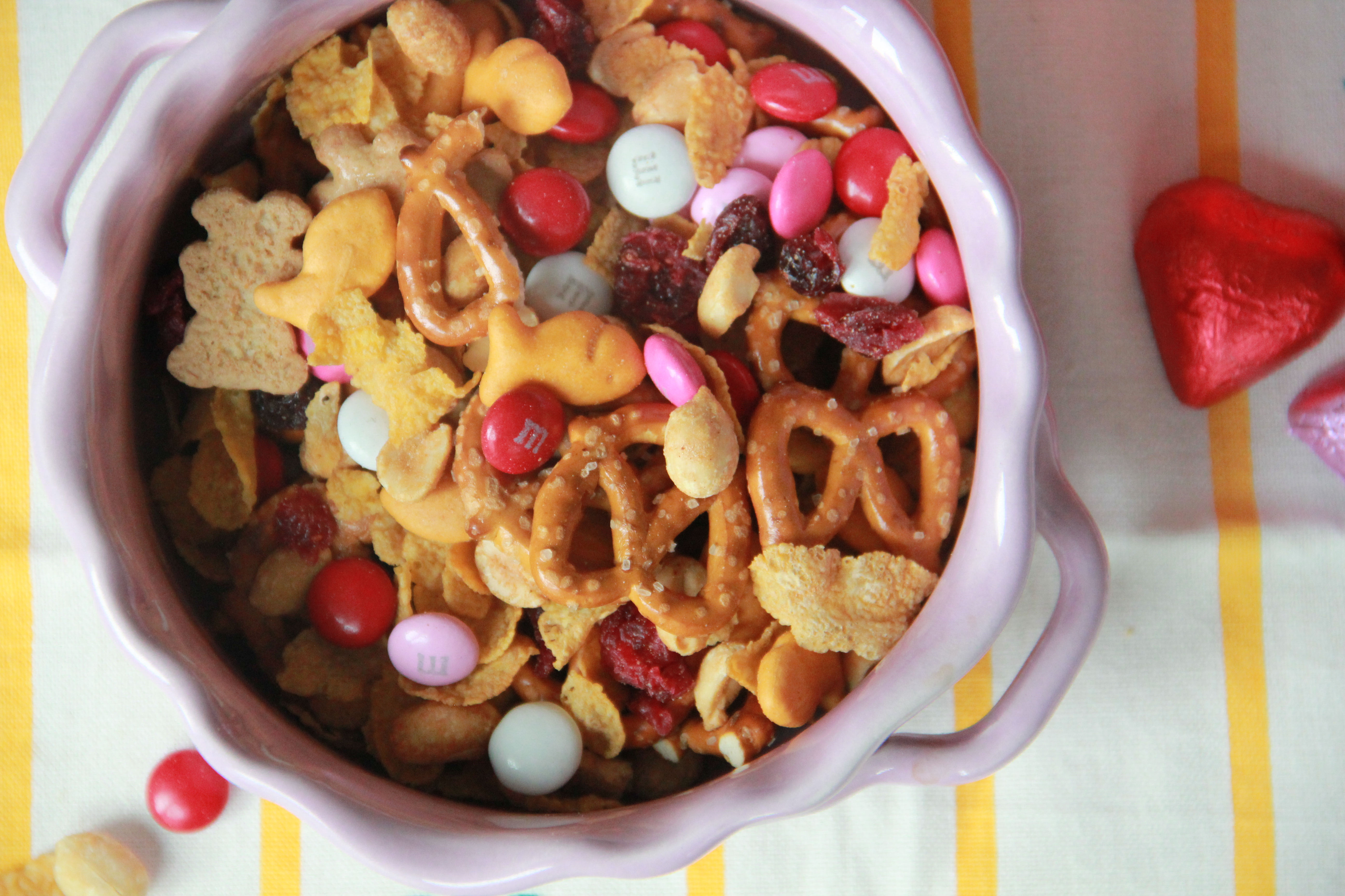 Sweet Amp Salty Snack Mix 187 Dunk Amp Crumble