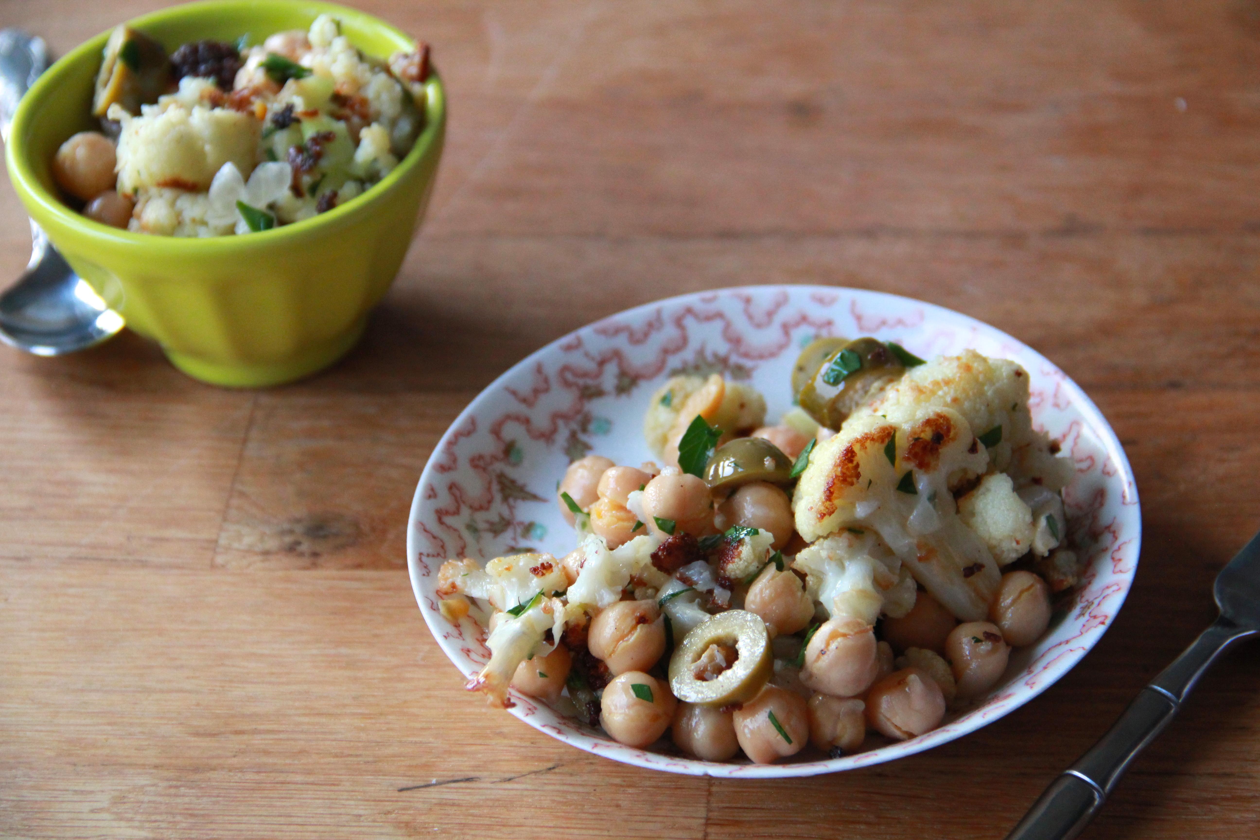 Roasted Cauliflower & Chickpea Salad » Dunk & Crumble